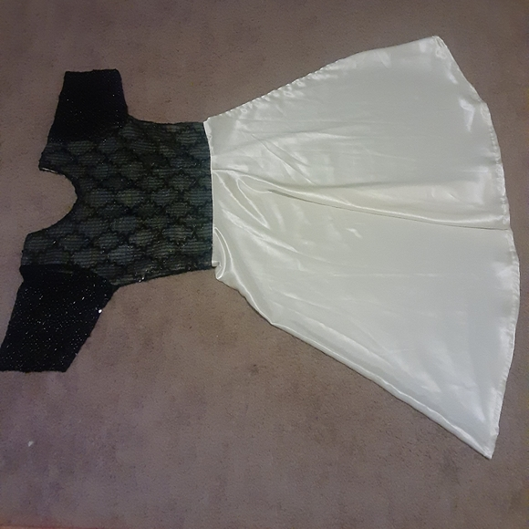 Dresses & Skirts - A woman dress block and white color custom made.